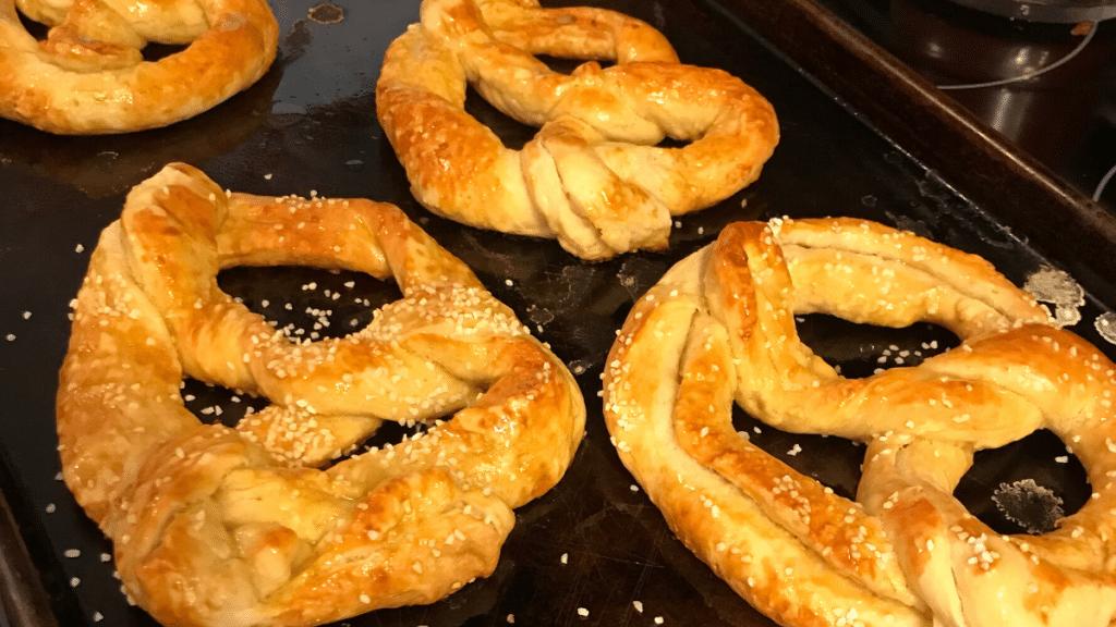 Auntie Anne's Pretzel Kit pretzels